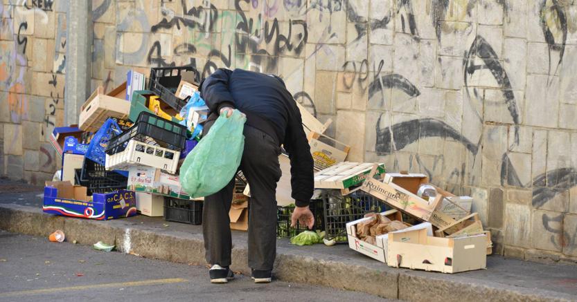 poveri povertà